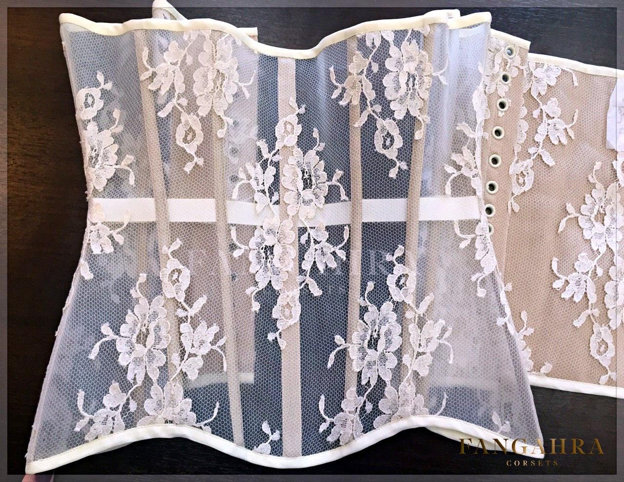 7f5eb9f8494 Mesh corset
